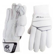2019 All Rounder Batting Gloves Pro's - Black/White *